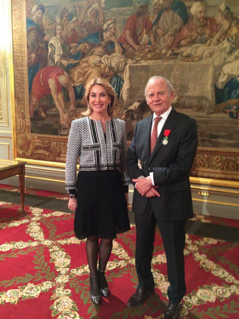 Mme Maria Elena Cuomo et le Professeur Alain Carpentier - Palais de l'Elysée