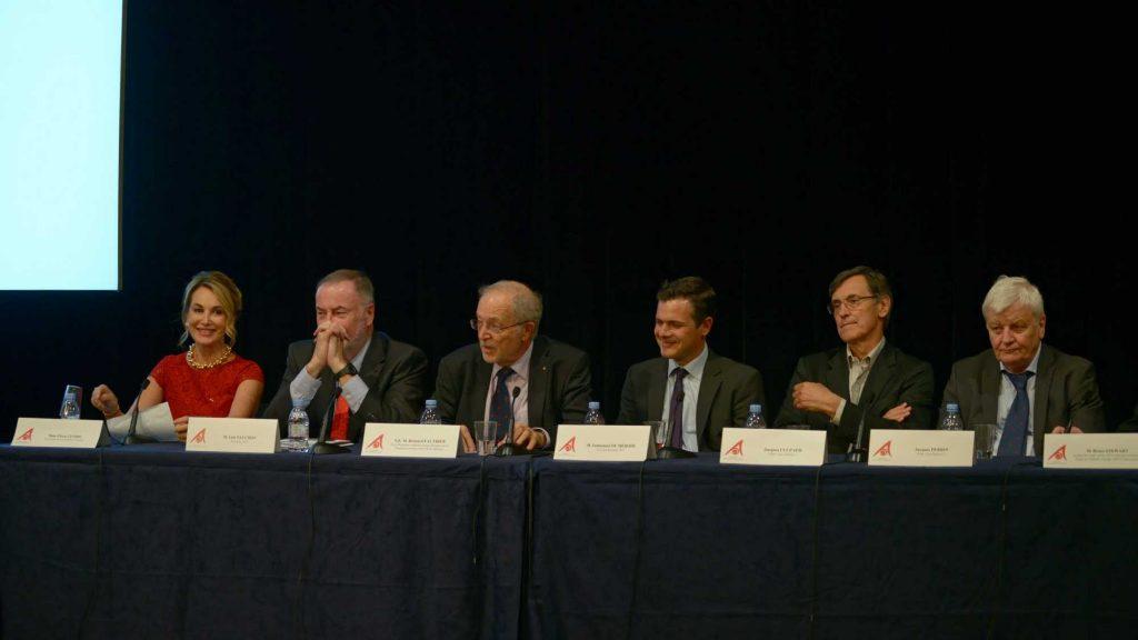 Conférence de presse annonçant l'attribution de bourses du GIEC soutenues par la Fondation Cuomo - O