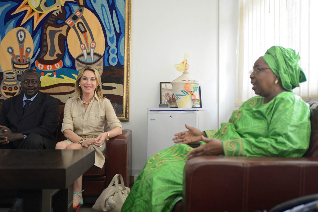 Mme Maria Elena Cuomo et Pr Mouhamadou Ndiaye en compagnie de S.E. Dr Awa Marie Coll Seck, Ministre