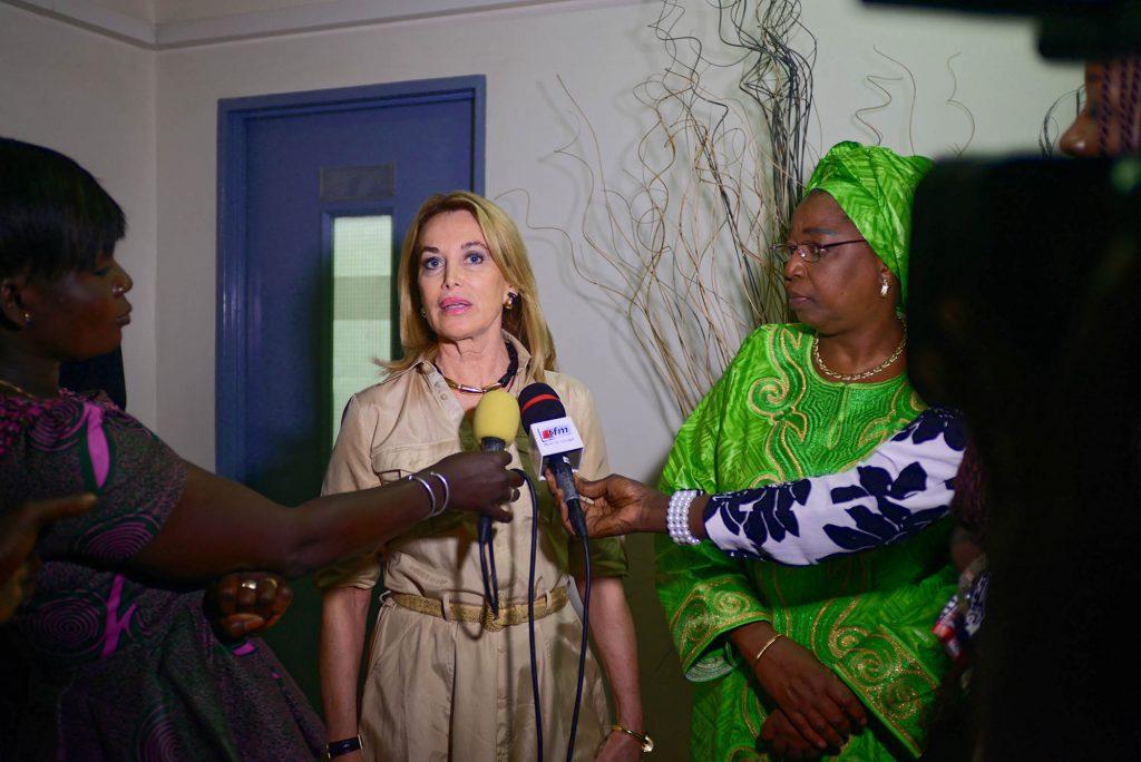 Mme Maria Elena Cuomo et S.E. Dr Awa Marie Coll Seck, Ministre de la Santé du Sénégal (2012-2017)